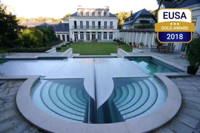 Zwei europäische Schwimmbadpreise für grando